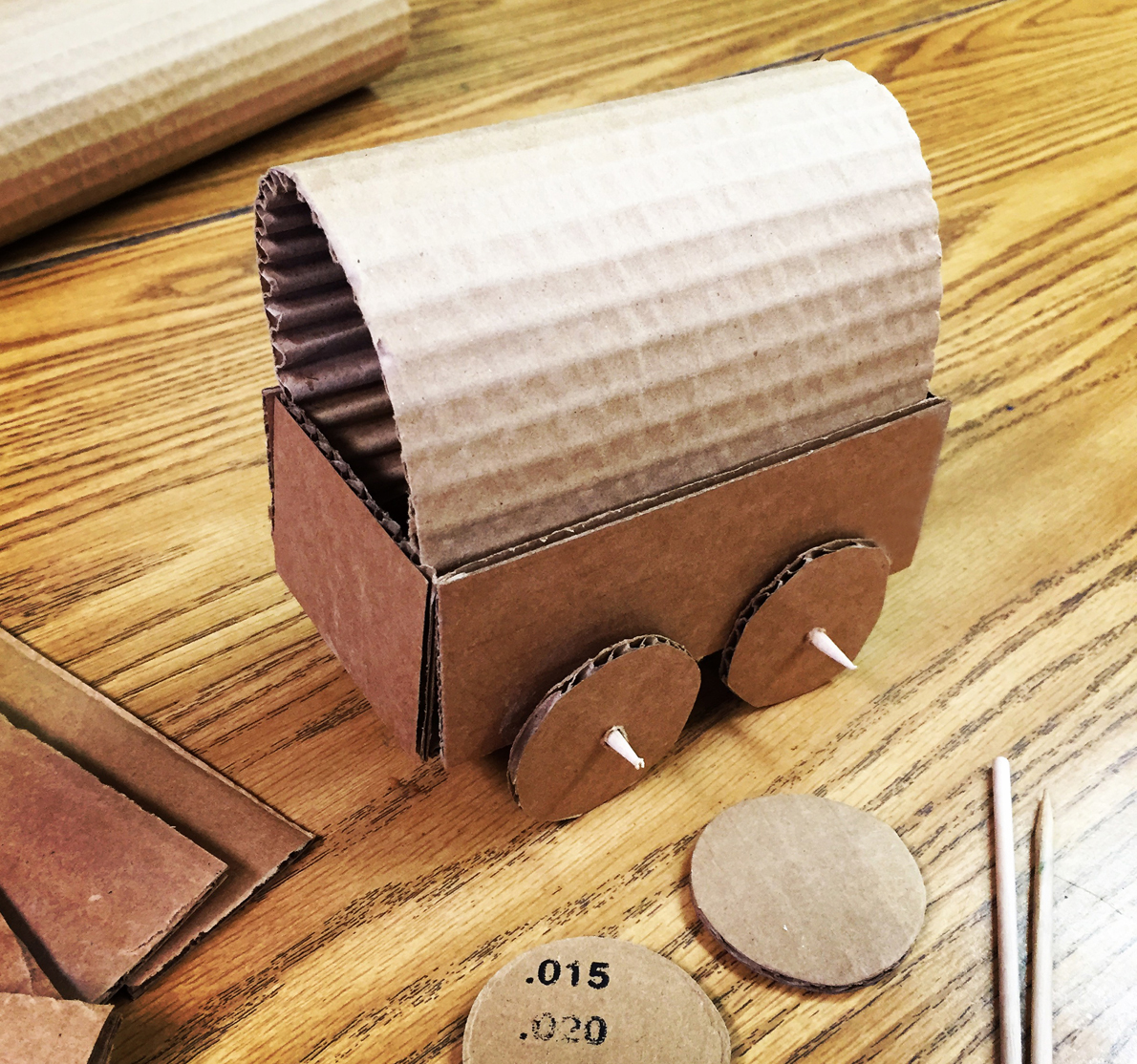 Cardboard Covered Wagon | Art Projects for Kids | Bloglovin\'