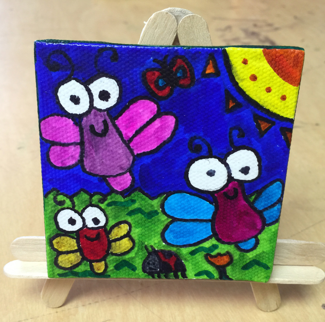 Bugs on canvas art projects for kids for Canvas art ideas for kids